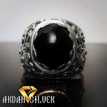 Перстень з чорним агатом